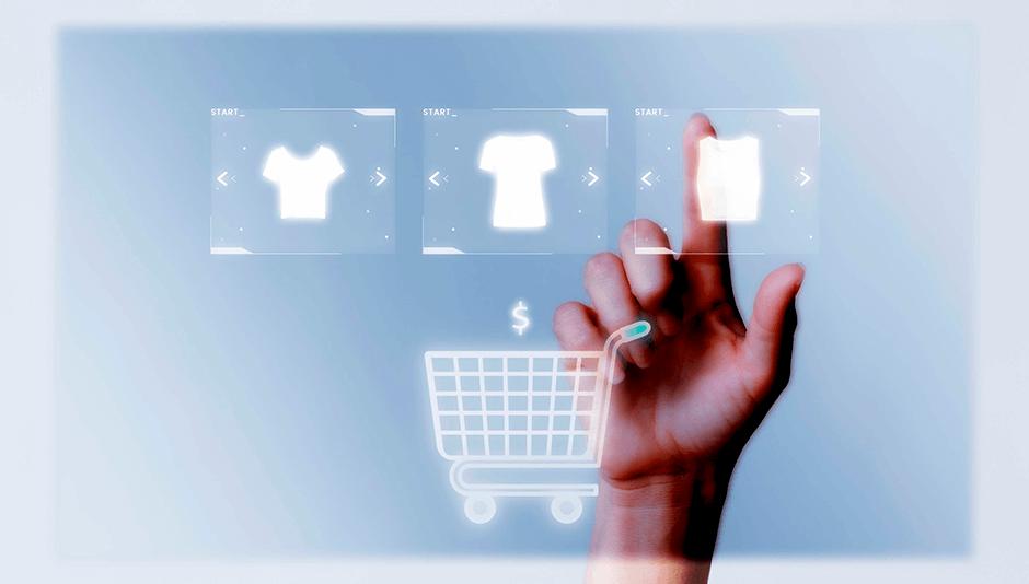 mano seleccionando producto online